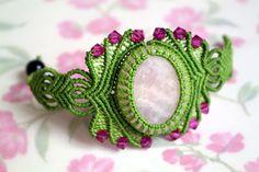 Macrame Bracelet Rosellina  Please find a video tutorial here: https://www.youtube.com/watch?v=H_-5YbZfvuE  #macrame #bracelet #jewelry #tutorial