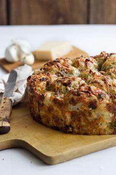 Kräuter-Käse-Pizzabrot