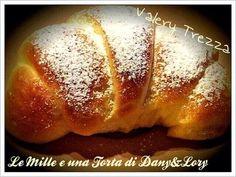 Condividi la ricetta...IRICETTA DI: VALERY TREZZA ngredienti: 550 gr di farina manitoba 0, 170 gr di latte tiepido, 2 uova, 100 gr di margarina (valle'),150 gr di zucchero, 1 cubetto di lievito di birra, 1…