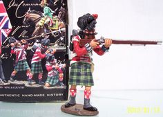 Napoleonic British Army NA048 42nd Highlander Standing Firing - Made by King and Country Military Miniatures and Models. Factory made, hand assembled, painted and boxed in a padded decorative box. Excellent gift for the enthusiast.