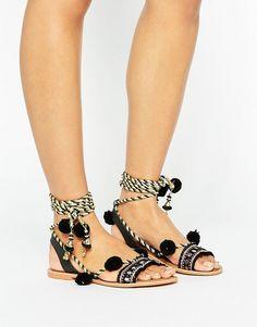 b95e846862 Glamorous Pom Pom Tie Up Black Suede Flat Sandals Sandálias Com Miçangas