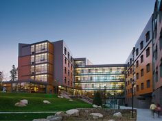 Built by LLB Architects in South Kingstown, United States with date 2012. Images by Burk & Jagger. Acting as a gateway building to the Hillside District at the University of Rhode Island, the new 429-bed Hillside Hal...