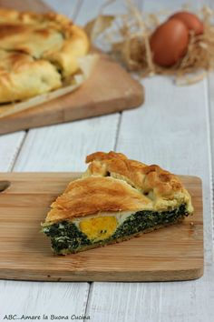 torta pasqualina con ricotta e spinaci 2 Ricotta, Quiche, Love Eat, Spanakopita, Finger Foods, Italian Recipes, Buffet, Food And Drink, Pizza
