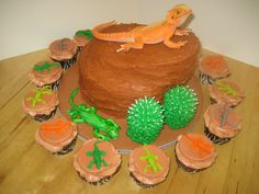 Lizard cake that I made for a 5 year old's birthday. Boy Birthday, Birthday Ideas, Birthday Cake, Lizard Cake, Cake Ideas, Bliss, Party Ideas, Cakes, Baking