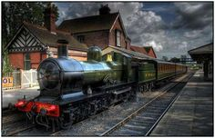 HDR-Images-of-Old-Trains-2 2. A steam engine on the Bluebell