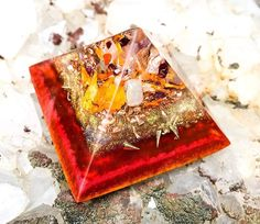 This beautiful handcrafted red and gold orgone crystal pyramid with an amethyst point is created to purify your EMF and support you in the manifestation of abundance in all areas of your life. Amethyst Cluster, Nesting Bowls, Crystal Grid, To Manifest, Mixing Bowls, Green Aventurine, Bowl Set, Crystal Healing, Abundance