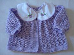 Todo feito a Mão de Tricô com lã própria para bebê, Gola de algodão podendo ser bordado também a inicial do nome no lugar do desenho.  Diversas cores. R$ 67,23