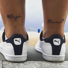 Papá y mamá tatuaje Matching Family Tattoos, Family Tattoos For Men, Meaningful Tattoos For Family, Symbol For Family Tattoo, Hand Tattoos For Women, Tattoos For Guys, Mama Tattoo, Mom Dad Tattoos, Future Tattoos