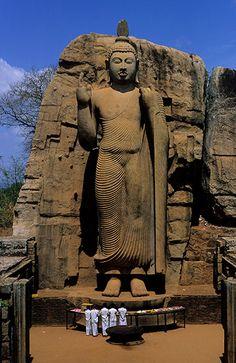 Sri Lanka - Bouddah de Aukana ทัวร์ศรีลังกา http://www.pandktraveldesign.com/ทัวร์ศรีลังกา-Srilanka-6-D-4-N-1154