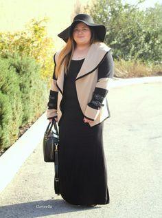 Curveella: Pretty Classy Cashmere,curveella,plus size,plus size fashion, plus size fashion blogger, fashion blogger, blogger,fashion stylist, style, stylist,fashion inspiration,curvy,curvy fashion, ootd, outfits, lookbook, inspiration,ootn, psblogger, maxi dress,cashmere, floppy hat ,hat,fall,fall fashionn, winter,kate spade, black maxi dress, back hat