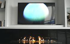 Ethanol-Brenner und Fernseher – eine AFIRE-Idee zur modernen Inneneinrichtung https://www.a-fireplace.com/de/blog/