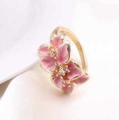 http://gemdivine.com/hotting-sale-jewelry-ring-with-rose-gold-plt-swa-elements-austrian-crystal-black-enamel-flowerwedding-ring-for-women/