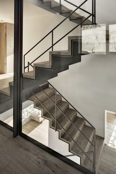 Architecture: Contemporary House Design with Nature Surrounding, Haus Wiesenhof by Gogl Architekten. Amazing Iron Covered by Wooden Staircase Design Interior Staircase, Staircase Design, Interior Architecture, Metal Stairs, Modern Stairs, Modern Loft, Escalier Design, Stair Handrail, Railings
