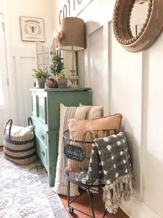 Secrets To Home Decor Ideas Living Room Rustic Farmhouse Style 81 – freehome… - Home Professional Decoration Decor Room, Living Room Decor, Home Decor, Dresser In Living Room, Bedroom Decor, Oak Bedroom, Bedroom Rustic, Room Decorations, Modern Bedroom