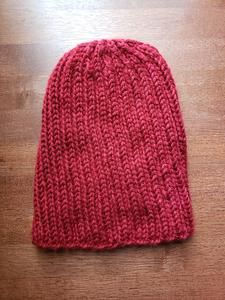 Red knit beanie Hiking Outfits, Adventure Outfit, Knit Beanie, Knitting, Hats, Red, Handmade, Style, Fashion