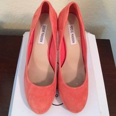 Steve Madden Coral Suede Pumps Perfect for spring/summer. Gently worn coral suede pumps. Steve Madden Shoes Heels