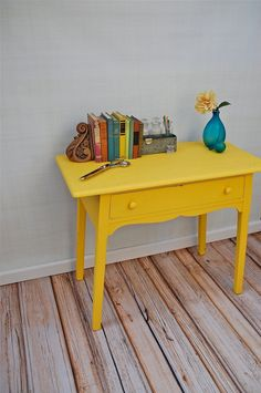 White Wood Furniture, Painting Antique Furniture, Antique Paint, Painted Furniture, Mexican Furniture, Kitchen Tables For Sale, Painted Kitchen Tables, Painted Benches, Painted Tables