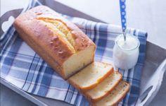 Cake aux 7 pots express au Thermomix, recette d'un savoureux gâteau moelleux au yaourt facile et rapide à réaliser en moins de 40 minutes pour un goûter gourmand.