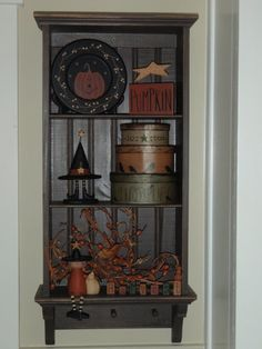 prim shelf with primitive decor. very cute for Halloween/Fall decor