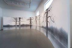 Yuichiro Saton näyttely on esillä Beckerissä 17.5. saakka. Koivumaisema.