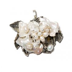 Pandantiv Pearl Charm - Mirabilis Art Jewelry - lei105.00 - www.thescarfstreet.com #thescarfstreet #esarfe #esarfa #scarf #fular #moda #modadama #romania #fashion Romania, Jewelry Art, Brooch, Charmed, Fashion, Bead, Moda, Fashion Styles, Brooches