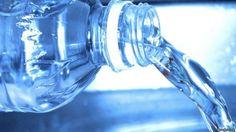 Cuando se reutiliza, en la botella de agua se pueden generar hasta 900 mil unidades de bacteria.