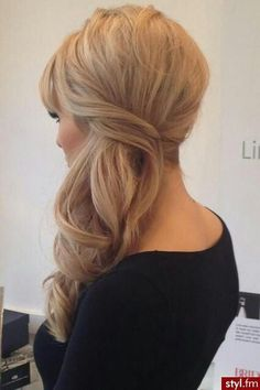 Light curl wedding hair swept to the side