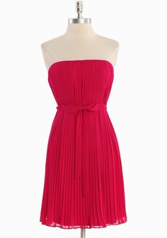 New Classic Pleated Dress   Modern Vintage Sale - Feeling Just Cherry ;)