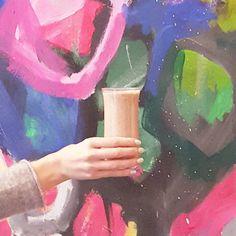 #gutenmorgensmoothie mit Rohkakao und Kokosmilch - einfach ein super Powerstart für einen langen Arbeitstag! #healthysmoothie #smoothielove #kickbuttsday