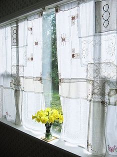 DIY: 10 Patchwork Curtains Made from Vintage Linens: Remodelista