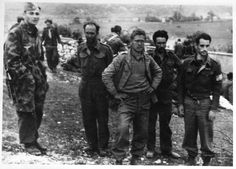 Fallshirmjager in Drvaar 1944 with prisoners of war, pin by Paolo Marzioli