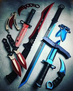 Zombie Weapons that People Really Obsessed With photos) Zombie Weapons, Ninja Weapons, Anime Weapons, Weapons Guns, Fantasy Weapons, Zombie Apocalypse, Armas Ninja, Pretty Knives, Cool Knives