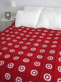 Transcendent Crochet a Solid Granny Square Ideas. Inconceivable Crochet a Solid Granny Square Ideas. Beau Crochet, Crochet Home, Love Crochet, Beautiful Crochet, Crochet Crafts, Crochet Squares, Crochet Granny, Crochet Motif, Crochet Yarn