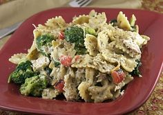 Rasta Pasta! Spinach and Roasted red peppers with chicken. Yum!