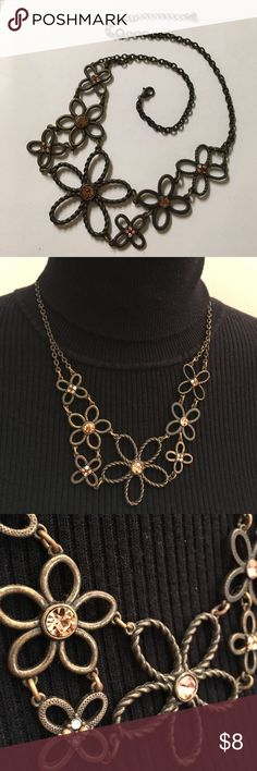 """N R Necklace Flower Necklace Bronze Colored Not sure of the brand of the necklace. Has a N R marked on the back. Adjustable 17""""-20"""" inches long no condition issues. Gently worn. N R Jewelry Necklaces"""