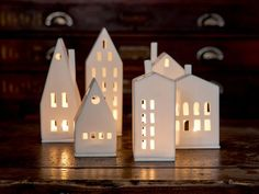 current Images Clay Pottery at home Style Lichthaus runde Tür Christmas Lights, Christmas Crafts, Christmas Decorations, Holiday Decor, White Christmas, Clay Houses, Ceramic Houses, Pottery Houses, Home Candles