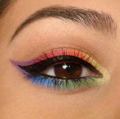Interesting rainbow eye makeup. Colourful yet understated.