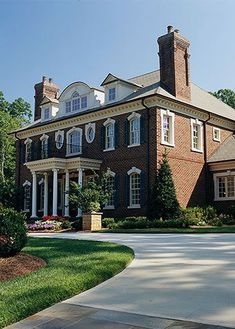 Georgian Style Architecture Classic Georgian Style In timeless Georgian-style homes we find beautiful proportion and classic details. Learn how to recognize the features of these homes and how to update them! Georgian Architecture, Classical Architecture, Architecture Design, Georgian Style Homes, Victorian Homes, Elegant Home Decor, Elegant Homes, Dream House Plans, My Dream Home