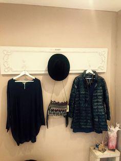 Perchero puerta Imagines, Ruffle Blouse, Deco, Tops, Women, Fashion, Salvaged Doors, Home, Moda
