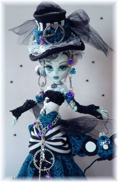 CUSTOM GORGEOUS STEAMPUNK VICTORIAN**OOAK Monster high** by cindy