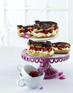 Unser beliebtes Rezept für Eclairs mit Erdbeeren und Sahnepudding und mehr als 55.000 weitere kostenlose Rezepte auf LECKER.de. Eclairs, Pampered Chef, Muffins, Healthy Snacks, Waffles, Food And Drink, Yummy Food, Sweets, Cooking