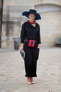 a400c840e0d9 C est Chic  Street Style  Paris Fashion Week Spring ...