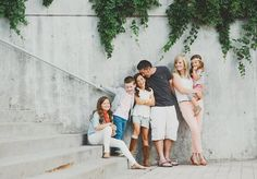 Simplicity Photography yes i could spend the rest of my life looking at this session. it's that awesome. Urban Family Photos, Large Family Photos, Fall Family Photos, Family Pics, Casual Family Photos, Extended Family Pictures, Large Family Portraits, Family Of 6, Family Goals