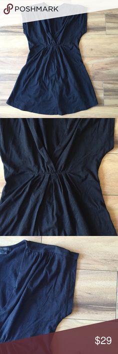 BCBGMaxazria Black Shirt. Size XS. BCBGMaxazria black top. A-line waist. Cap sleeve. 100% cotton. BCBGMaxAzria Tops