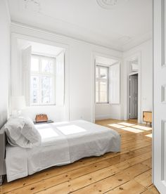 Apartment NANA by rar. Apartment NANA is a beautiful dwelling with a simple aesthetic located in Lisbon Portugal designed by rar. Decoration Inspiration, Interior Inspiration, Design Inspiration, Creative Inspiration, Lisbon Apartment, Interior Architecture, Interior Design, Apartment Design, Studio Apartment