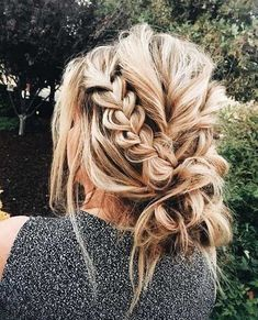 this braided updo is messy, but also elegant. artfully messy maybe? what do you think? Check out these wedding hair dos from these bridal hairstyle ideas these hairstyles. wedding updos for medium length hair,wedding updos with braids Messy Hairstyles, Pretty Hairstyles, Hairstyle Ideas, Prom Hairstyles, Evening Hairstyles, Hairstyle Tutorials, School Hairstyles, Elegant Hairstyles, Model Hairstyles