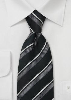 Schwarze Krawatte weiße Streifen