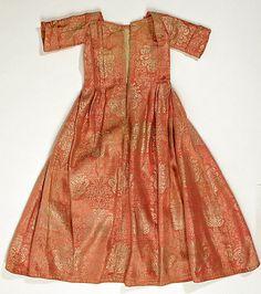 Dress    Date: first quarter 18th century