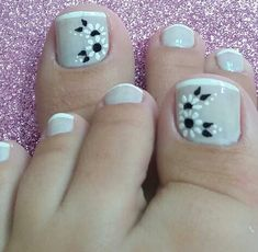 Medicated nail polish for fungus Pedicure Designs, Pedicure Nail Art, Toe Nail Designs, Pretty Toe Nails, Cute Toe Nails, Toe Nail Color, Toe Nail Art, Gelish Nails, Nail Art Videos