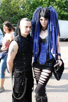 Kleiner Tod - Begegnungen - Photo Besucher WGT 2012 - Wave Gotik Treffen Fotos